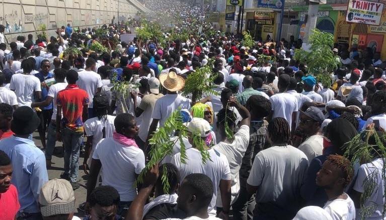 200 organisations à travers les Amériques soutiennent le peuple haïtien dans salutte